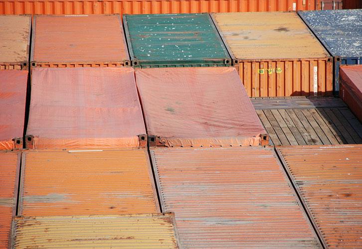 El grupaje de cargas: transporte combinado por tierra mar y aire