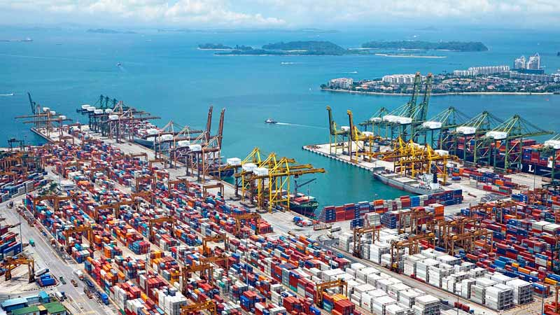 Los servicios portuarios: piezas clave en la logística marítima