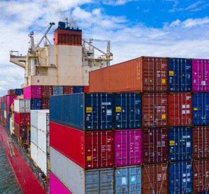 La escasez de contenedores lastra el comercio marítimo internacional