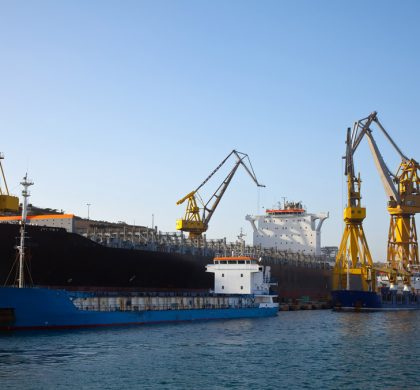 The transport of oversize cargo by sea